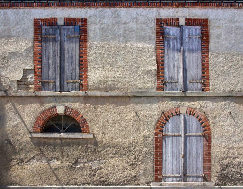 Épernay, Champagne, Frankreich, Architektur, Türen und Fenster, Türen, Fenster, Fassaden, Alte Türen