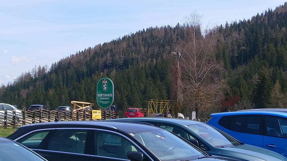 Pogusch, Steirereck, voller Parkplatz