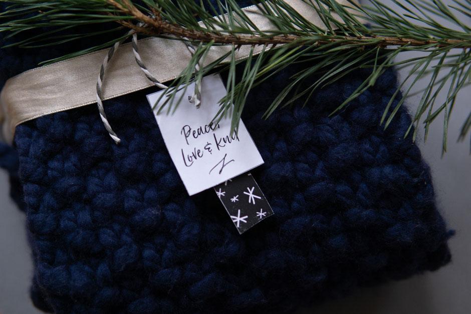 kostenlose Geschenkanhänger zum Ausdrucken von Wooltwist, peace love & knit
