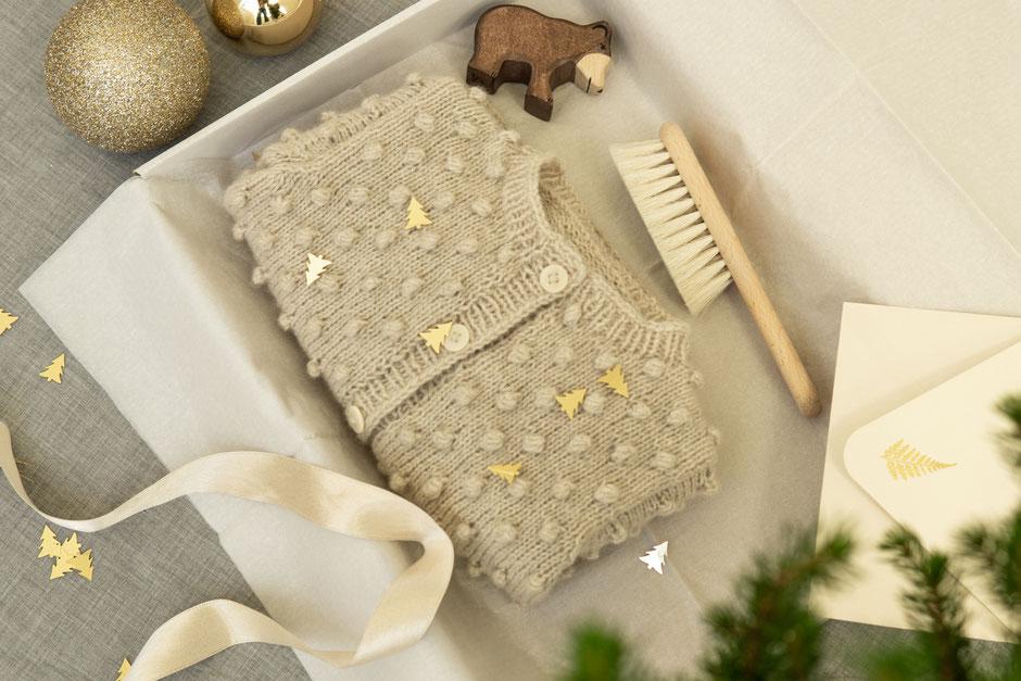 Geschenkideen zur Geburt - Stricksets von Wooltwist