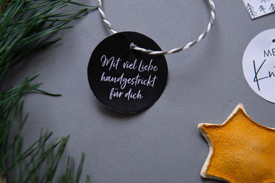 Mit viel Liebe handgestrickt - Geschenkanhänger für Selbstgestricktes kostenlos von Wooltwist