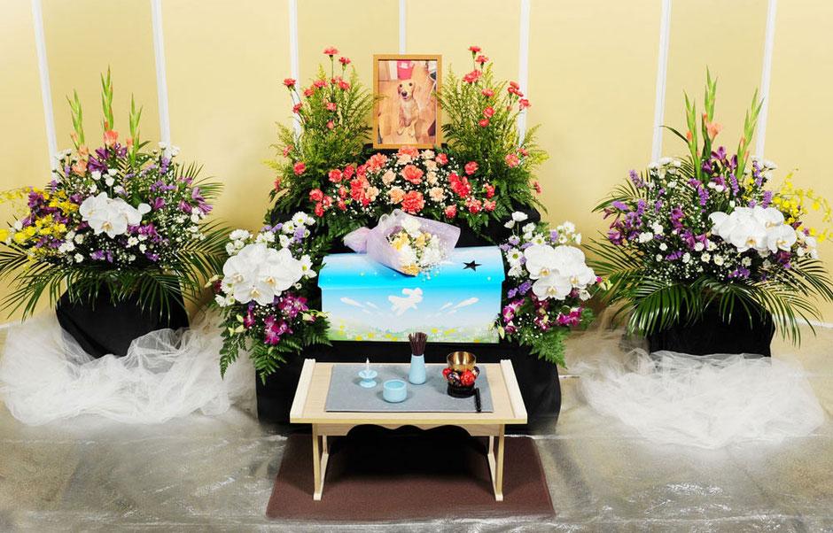 花祭壇100,000円|愛犬・愛猫・ペット火葬「はなの園」引取り・代行・葬儀・供養、埼玉県越谷市