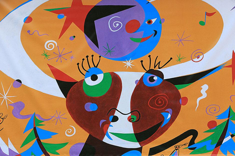 Peinture murale d'une vache. Haute-Savoie.