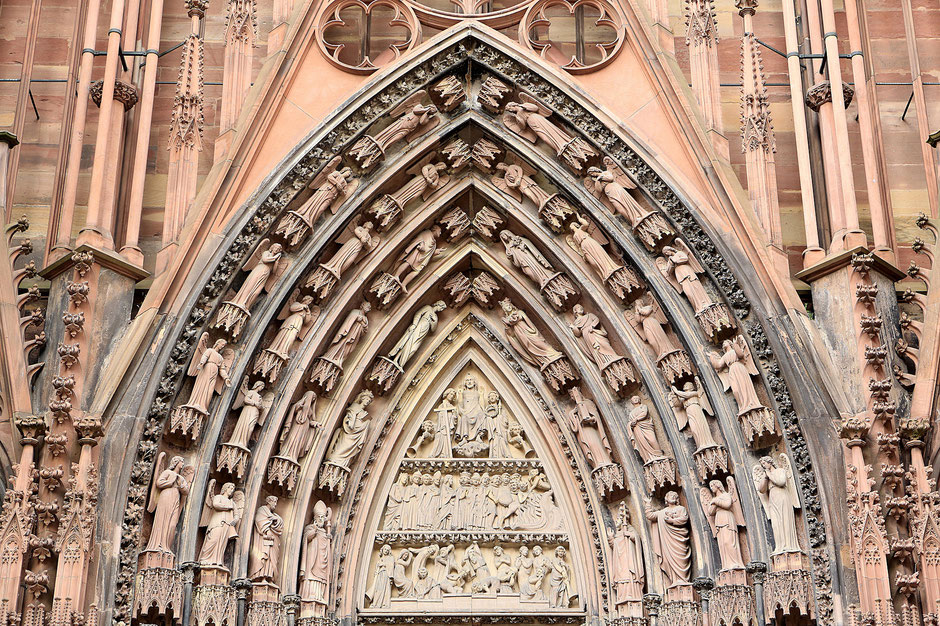West facade. South portal says Foolish Virgins and the Wise Virgins : tympanum of the Last Judgment. Our Lady of Strasbourg Cathedral.