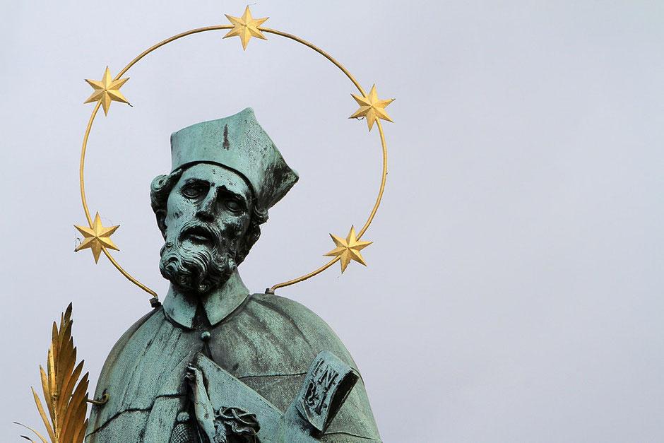 Saint-Jean de Népomucène. Pont Charles. Prague.