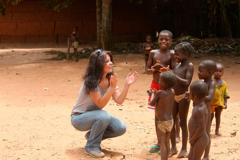 Moment de détente lors de reportages photos effectués au Bénin, à Tori. Copyright : Pascal Deloche / Godong.