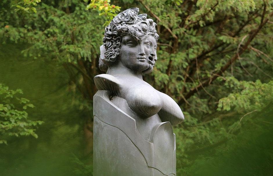 Otto wagner Villa I. Statue Art Nouveau.