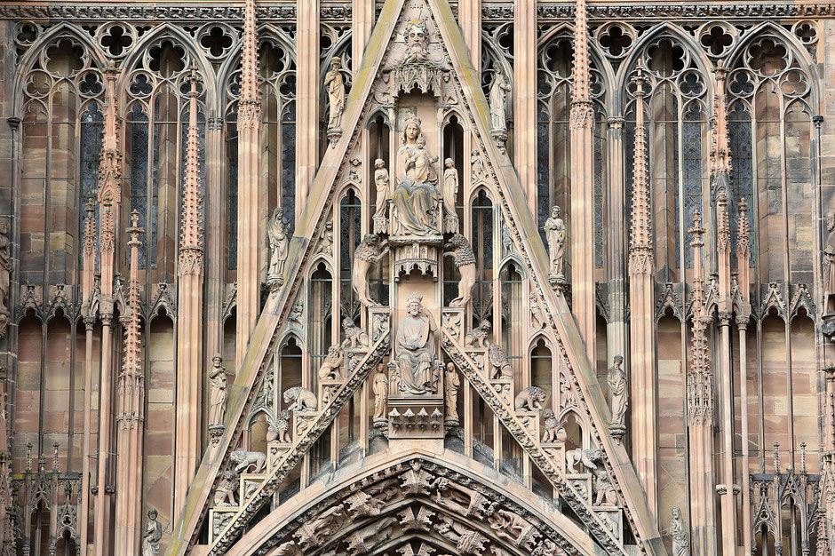 Solomon and the Virgin and Child. Central portal. Occidentale façade.1250. Our Lady of Strasbourg Cathedral.