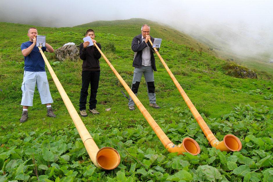 Sonneurs de cors. Doran. Haute-Savoie.