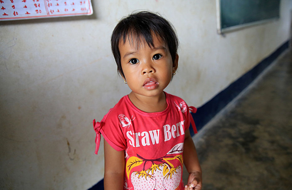 Petite fille Laotienne. Vieng Vang. Laos.