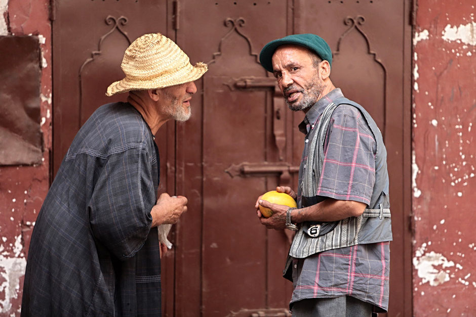 Discussion entre homme. Marrakech.