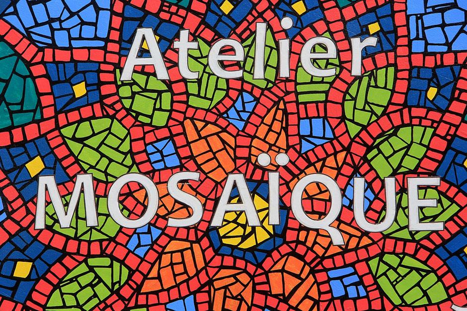 Atelier mosaïques. Les médiévales de Praz-sur-Arly. 2014. Haute-Savoie.