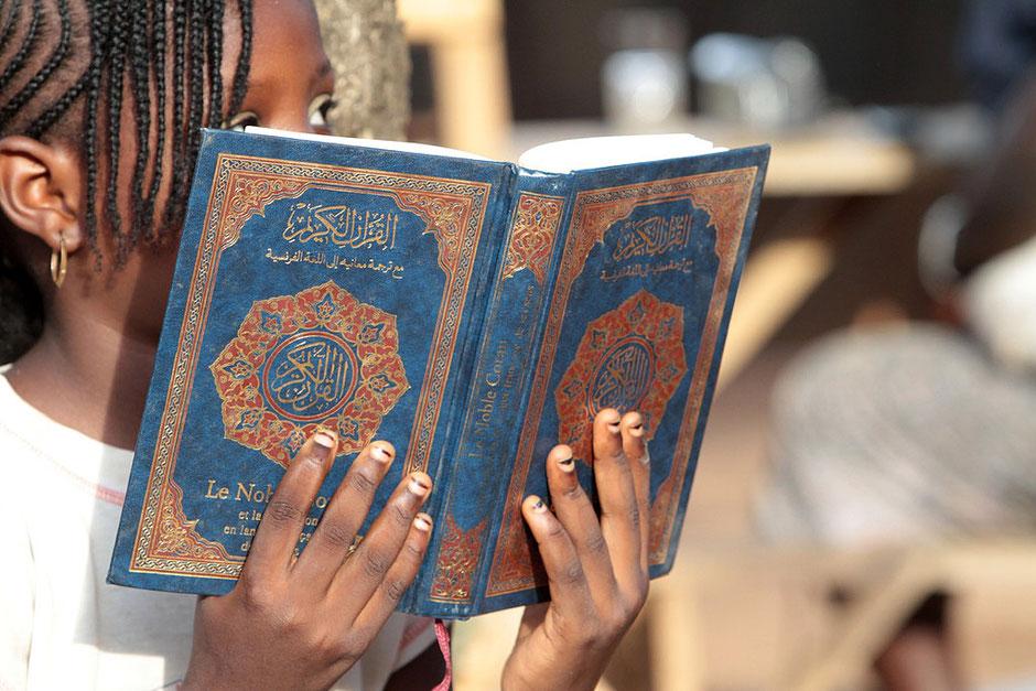 Lecture du Coran. Lomé. Togo.
