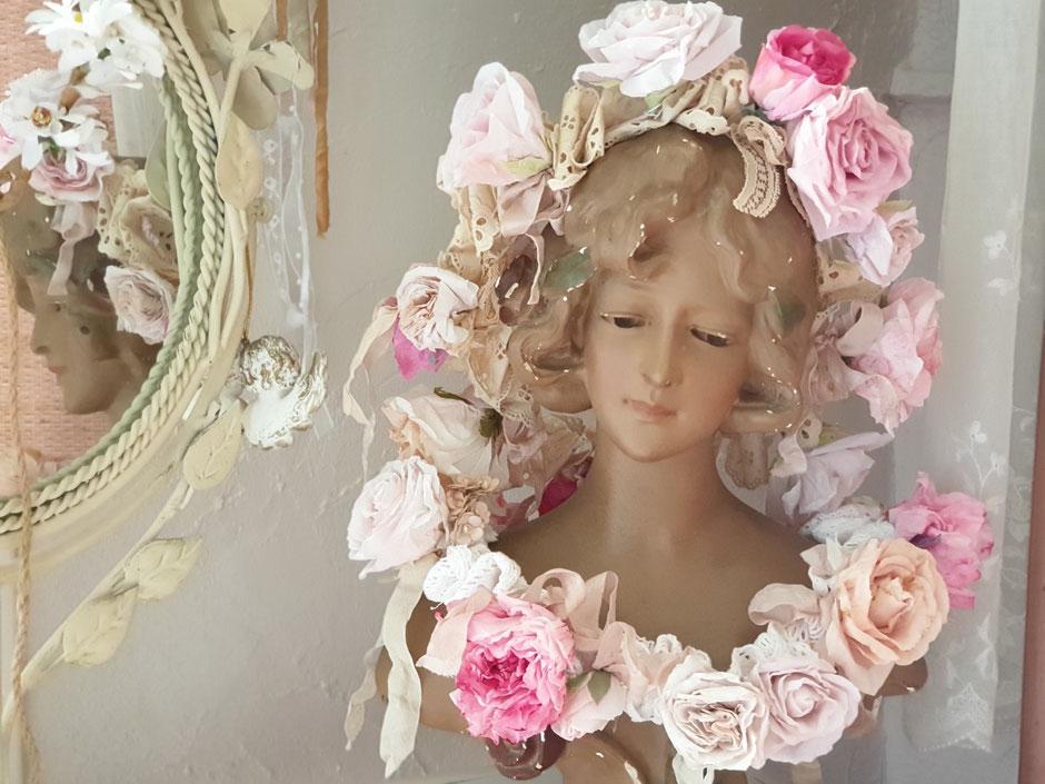 Couronne de roses en papier