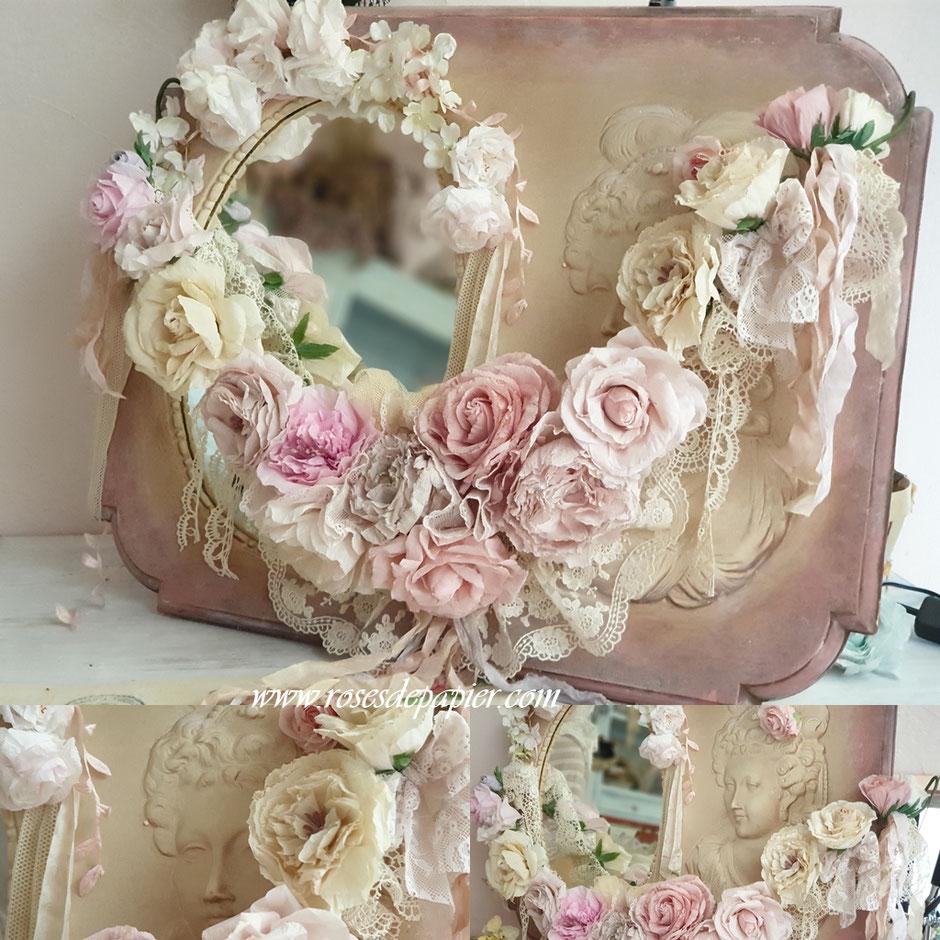 Guirlande de roses avec dentelle de brocante.
