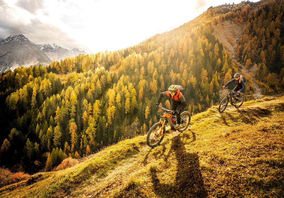 Fotograf Arnau Navarro in Scuol mit Alptrails Mountainbiking