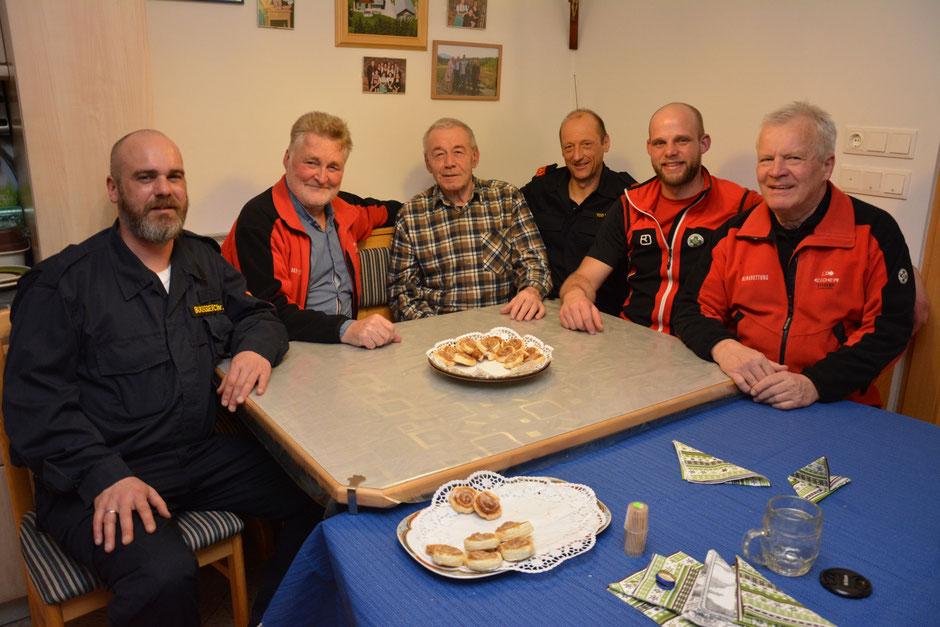 Christian Buchegger, Kurt Sommerer, Jubilar Peter Lechner, Manfred Tod, Paul Größbacher und Gustl Spielbichler