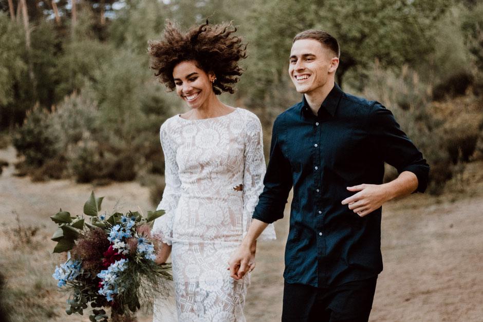 hochzeitsfotografie-belinda-bäuerle-wedding-pärchenshooting-coupleshooting-brautstrauß