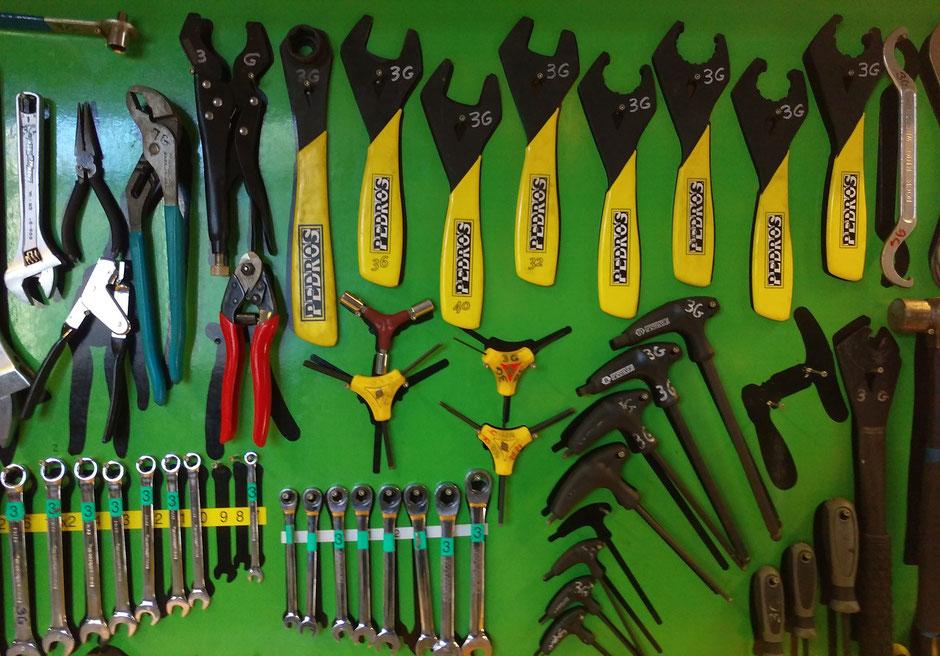 outils pour réparation de vélo