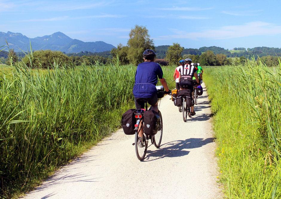 Vélo de voyage avec sacoches