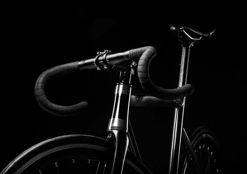 vélo noir d'occasion