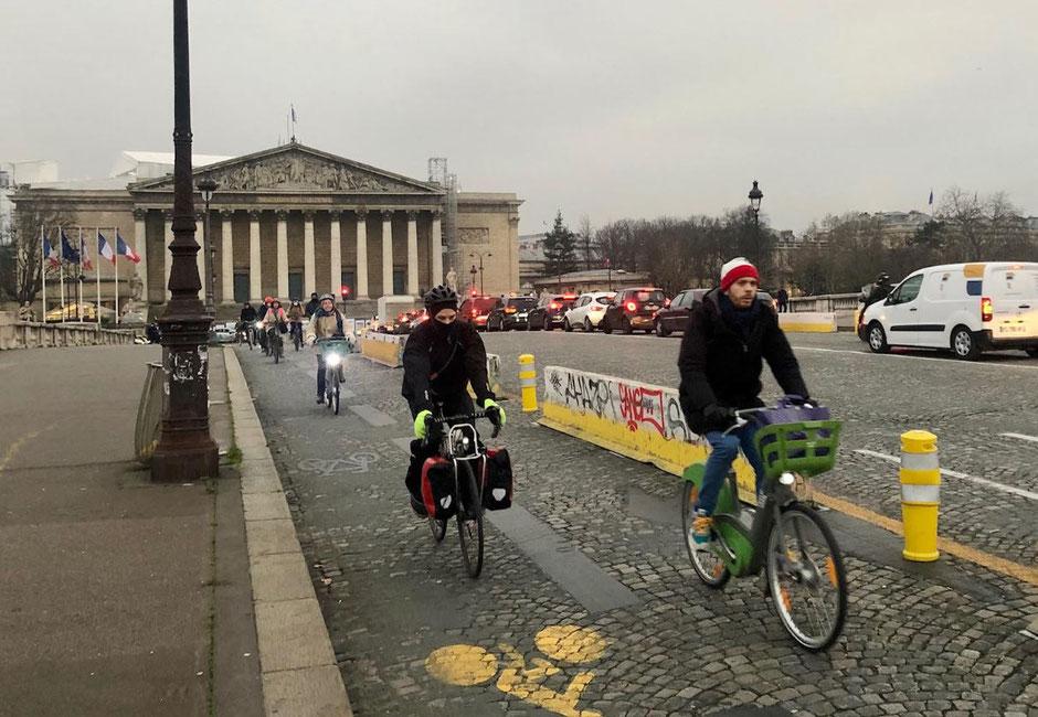 Concorde assemblée nationale vélo
