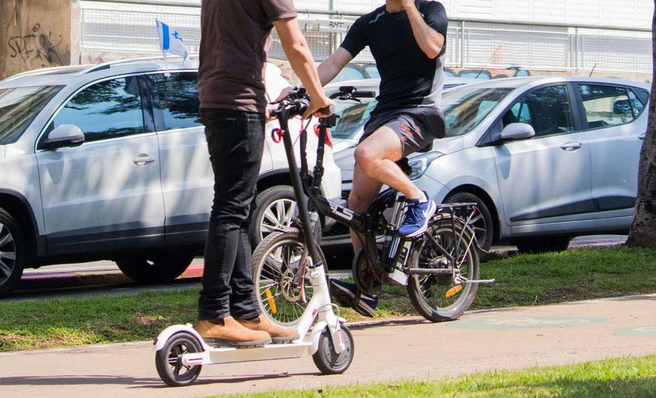 Trottinette électrique contre vélo à assistance électrique