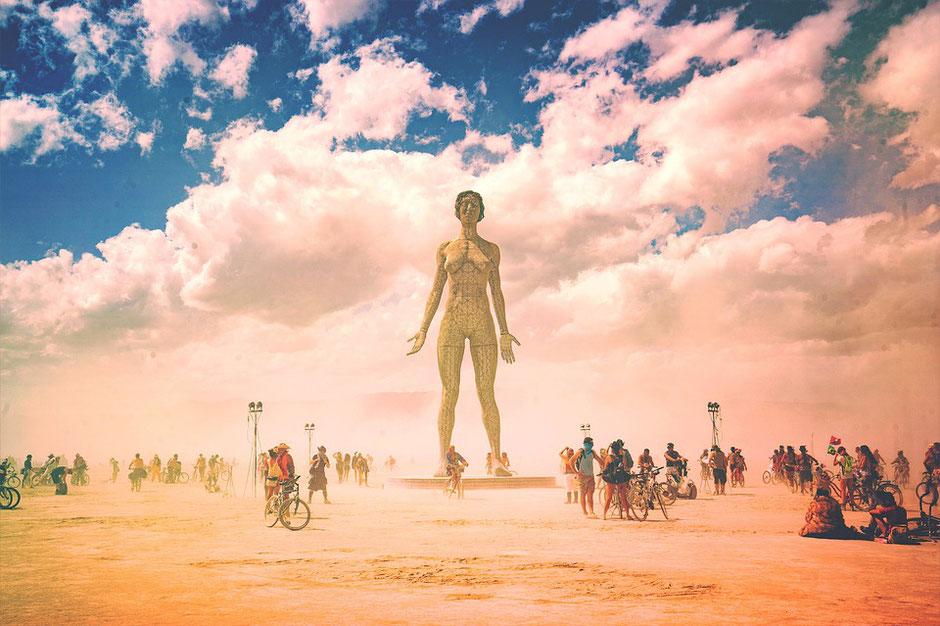 vélos dans le festival du desert