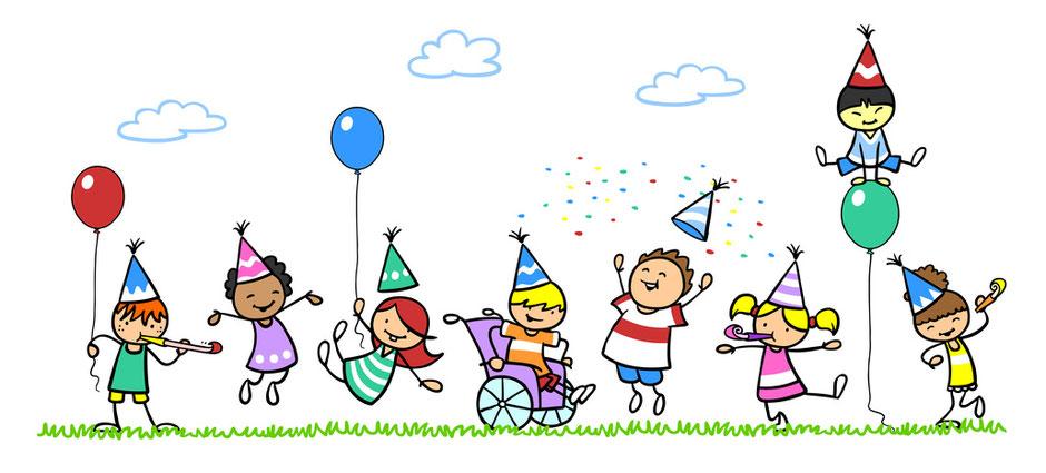 Kinder feiern Geburtstag