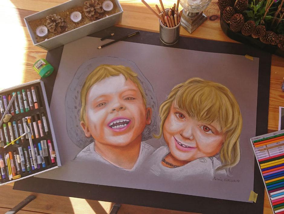 gemaltes Kinderportrait mit Softpastellkreide