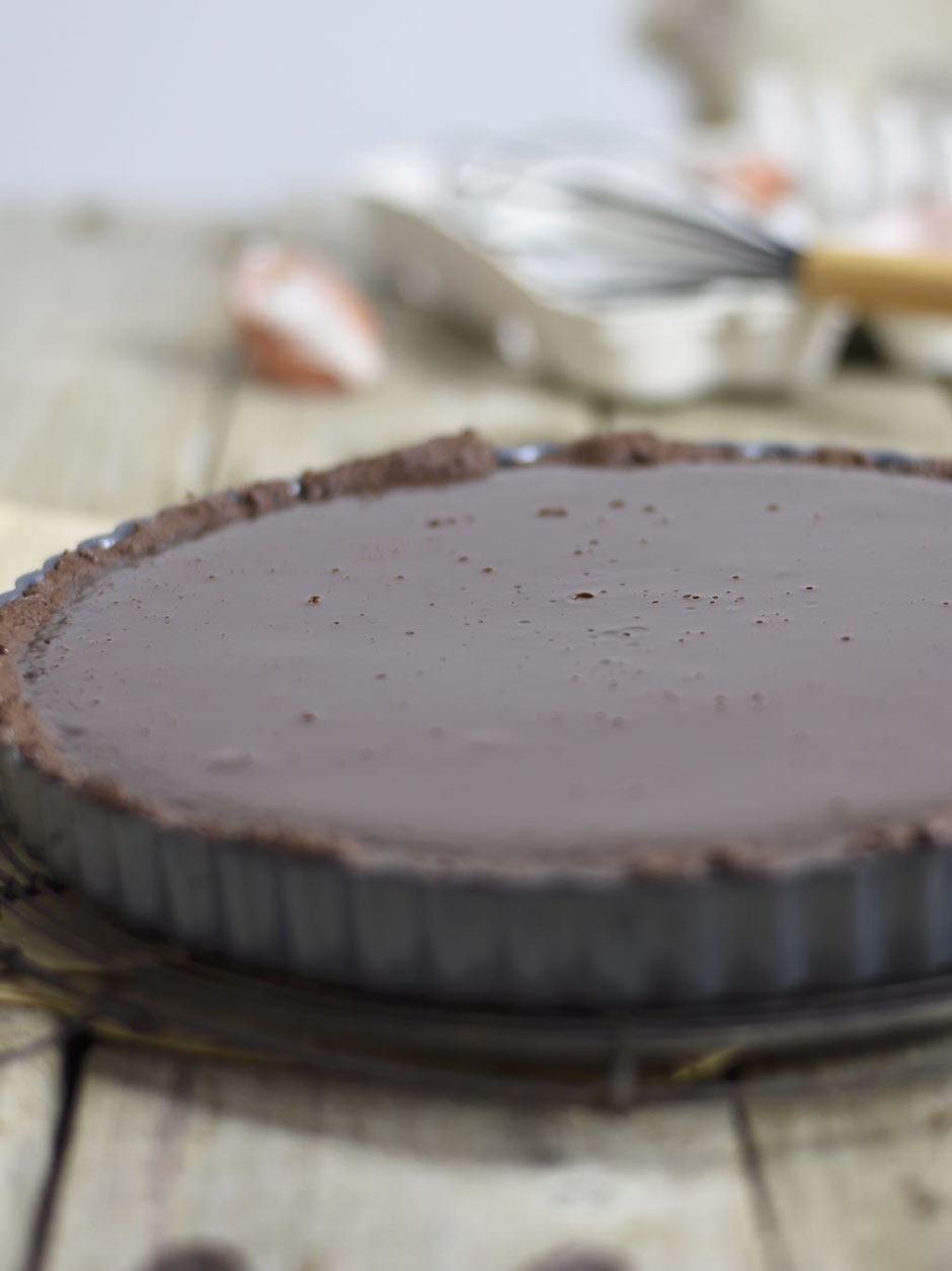 Dunkle Schokoladentarte