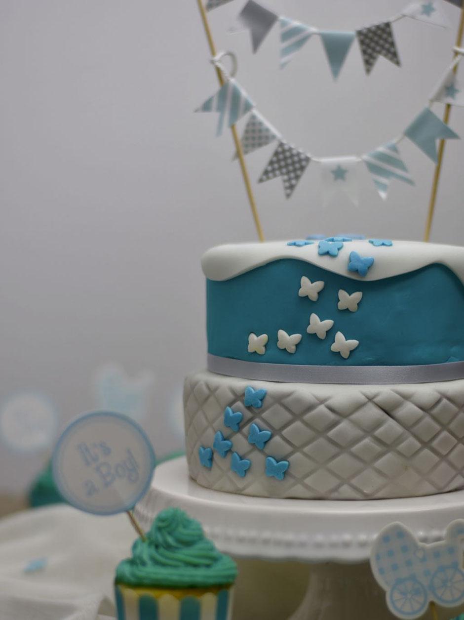 Baby-Torte mit Schokolade & Fondant