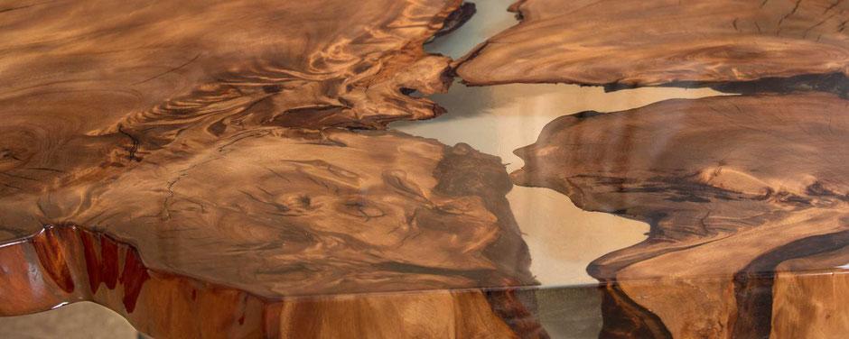 Natur Kunstwerk wunderschönes Kauri Wurzelholz, unvergleichliche Designer Tischplatte, besonderer Holztisch, urwüchsiger Design Tisch mit Epoxidharz