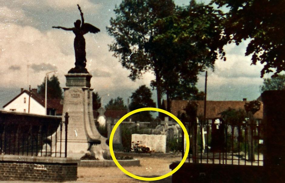 De graven op het kerkhof van Neeroeteren