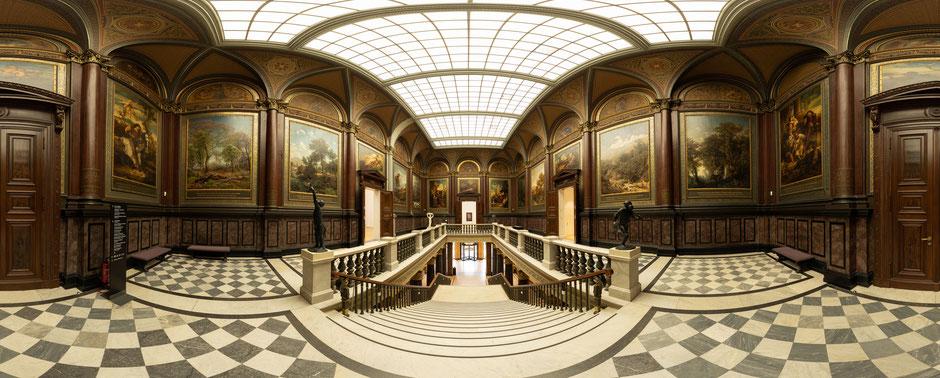 Das Treppenhaus des Gründungsbaus der Hamburger Kunsthalle im Panorama. Foto: Hamburger Kunsthalle/Marco Vedana