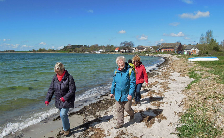 Hagensche Wiek –Wandern am Strand kann schöner kaum sein. Foto. C. Schumann, 2016