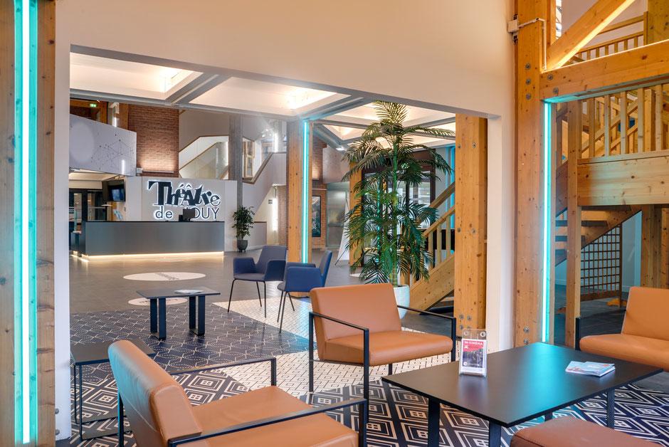 Jouy le Moutier - Mission: Conception et aménagement du hall d'accueil et du bar d'entracte 480m²