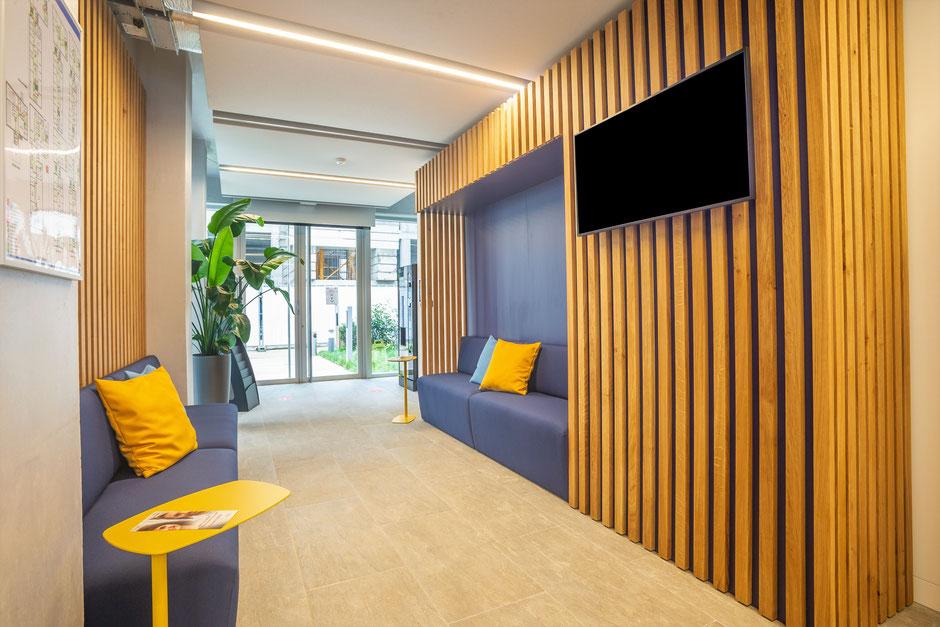 Montreuil (93) - Mission: décoration dans l'espace d'accueil, une salle de réunion informelle et les couloirs, 50m²