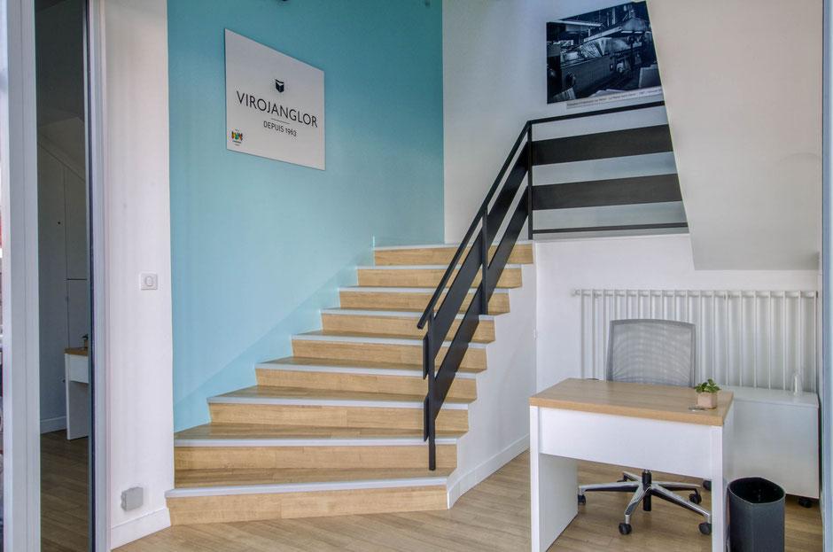 Blanc Mesnil- Mission: Rénovation du hall d'escaliers en lien avec l'image de l'entreprise