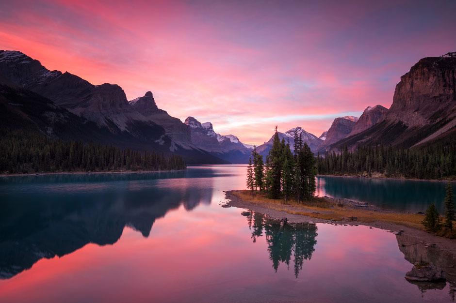 Spirit Island on the Maligne lake. Best photography locations in Jasper National Park