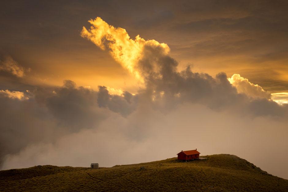 Brewster Hut in Aspiring National Park - In A Faraway Land