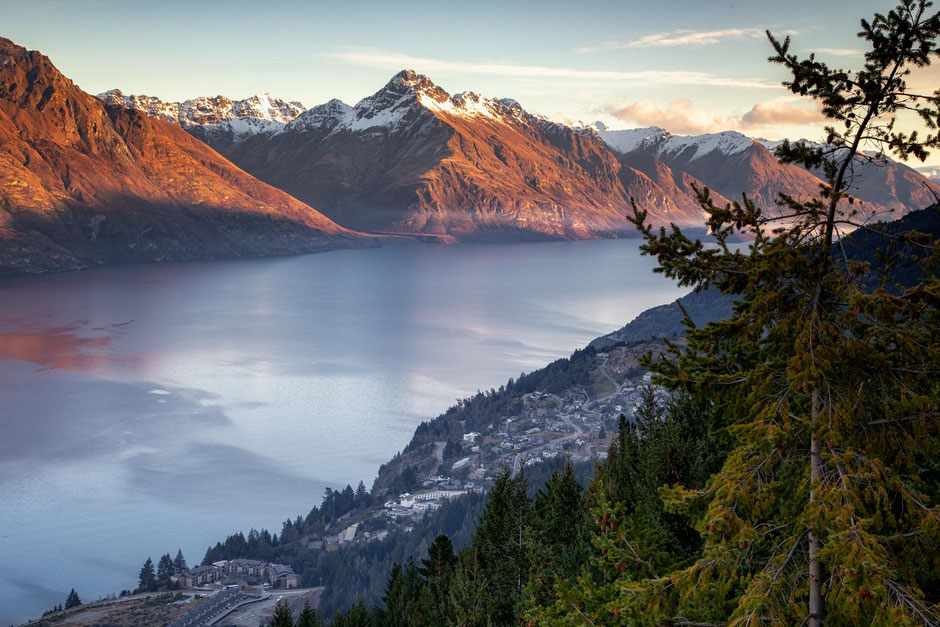 Fernhill, lake Wakatipu and Walter's Peak photographed from the upper gondola terminal in Queenstown