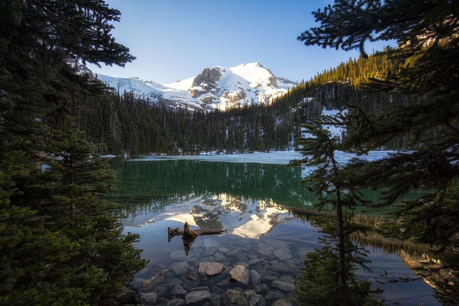 Joffre Lakes Provincial park - one of the most beautiful parks in Western Canada