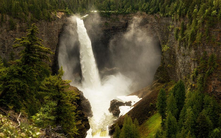 Helmcken Falls in Wells Gray Provincial Park in British Columbia, Canada.