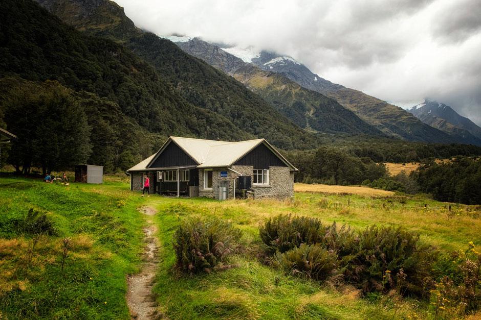 Mount Aspiring hut. Most scenic huts in New Zealand