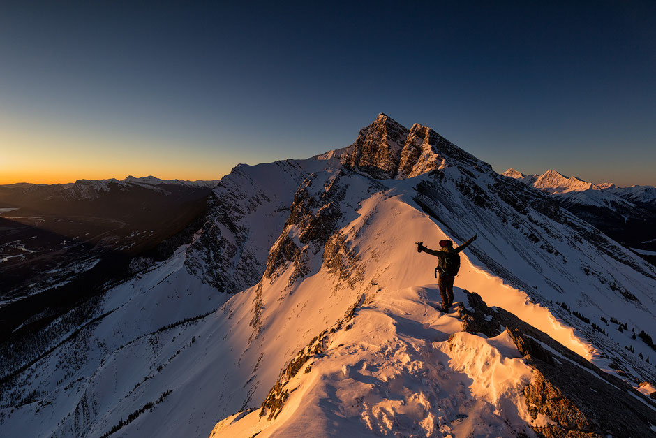 Sunrise on the top of Ha Ling Peak