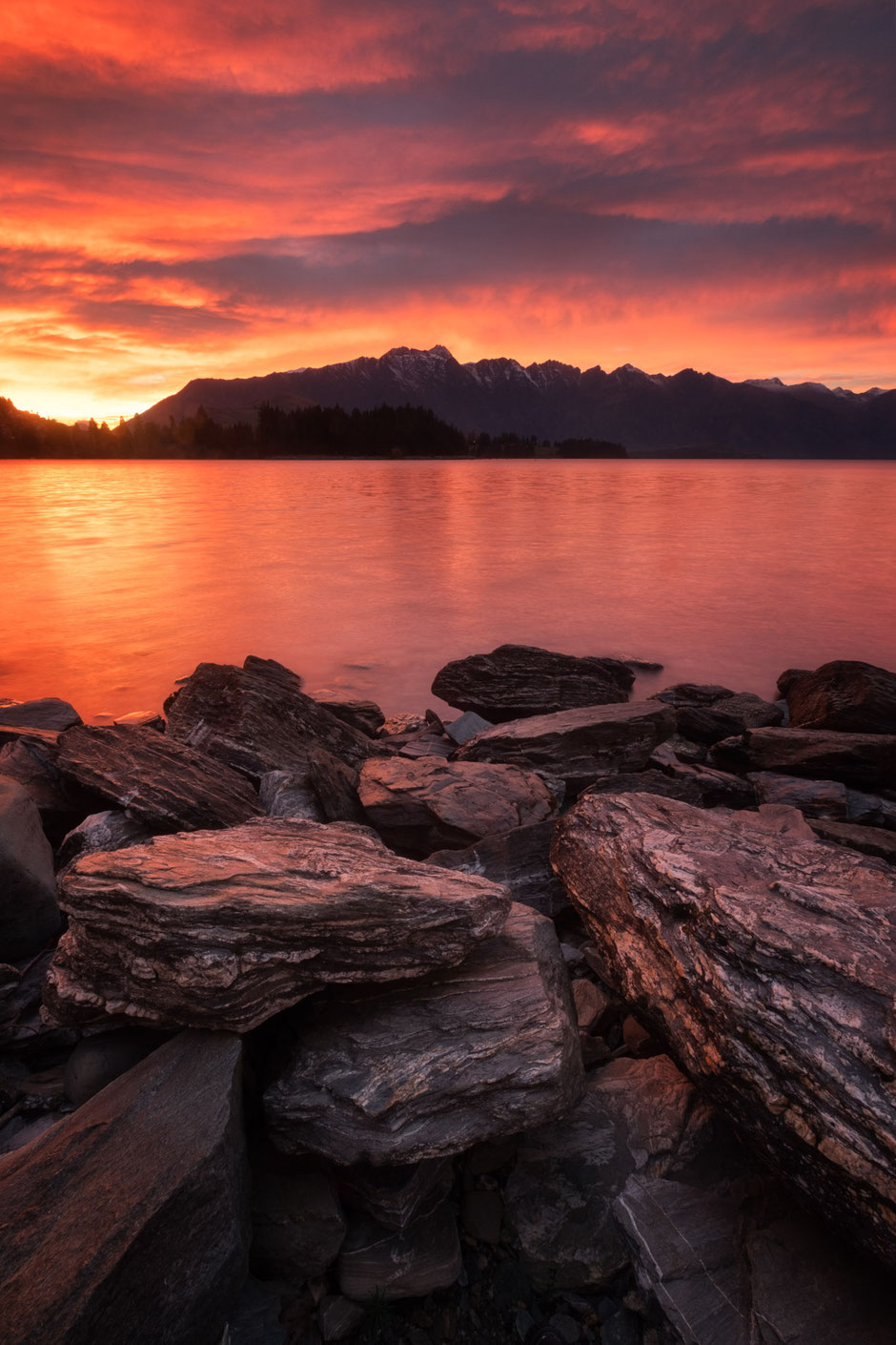 Sunrise over the remarkables, Queenstown