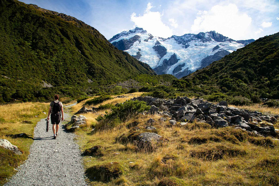 The trail leading to Kea Point, Sealy Tarns & Mueller Hut from Whitehorse Hill campground in Mount Cook National Park