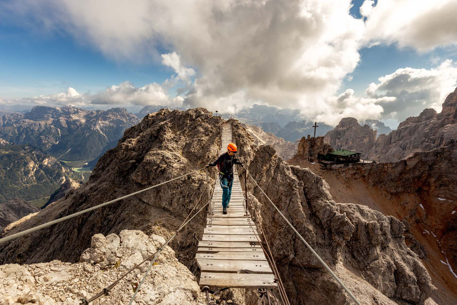 Hike on the suspension bridge - the highlight of the via ferrata Ivano Dibona