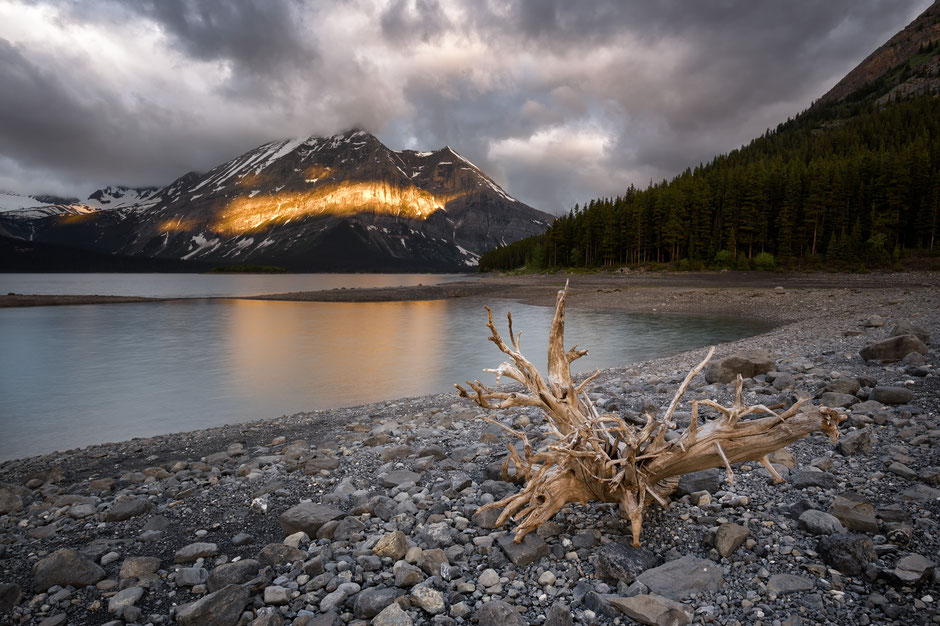 Upper Kananaskis Lake - One of the most beautiful photography spots in Canmore and Kananaskis